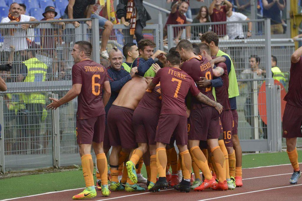 L'esultanza al gol di Totti